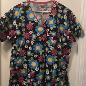 Dickies Medical Scrub Top Flower print size Large